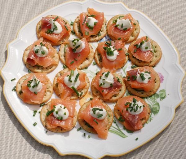 Salmon-Cucumber-Bites-004-e1399501823786