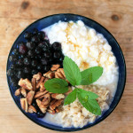 In only 5 minutes you can build a delicious breakfast bowl packed with protein, whole grains and antioxidants!