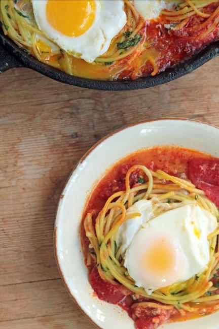 Spaghetti n' Eggs with Tomato Paprika Sauce