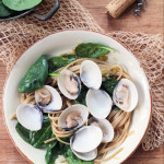 Linguine with clams and spinach